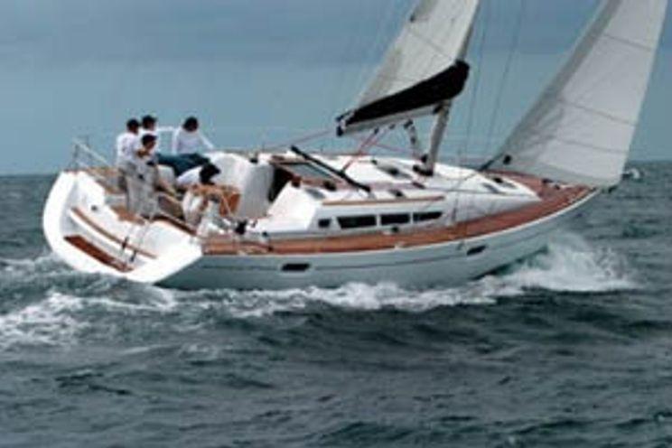Charter Yacht Sun Odyssey 42i - 3 Cabins - Portisco