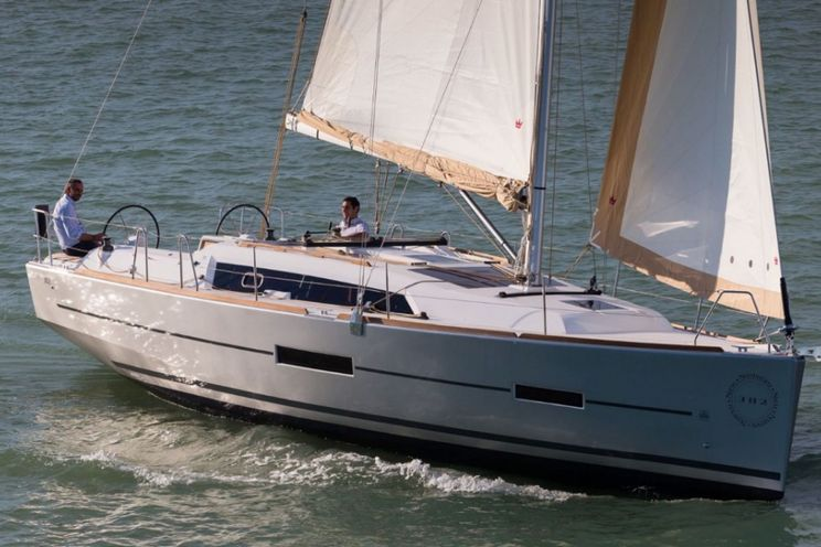 Charter Yacht Dufour 382 Grand Large - 3 cabins (3 double) - 2017 - Nassau - Staniel Cay- Newport